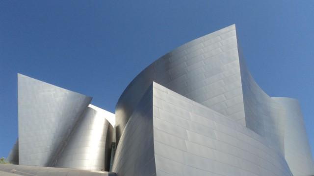 Inox na arquitetura