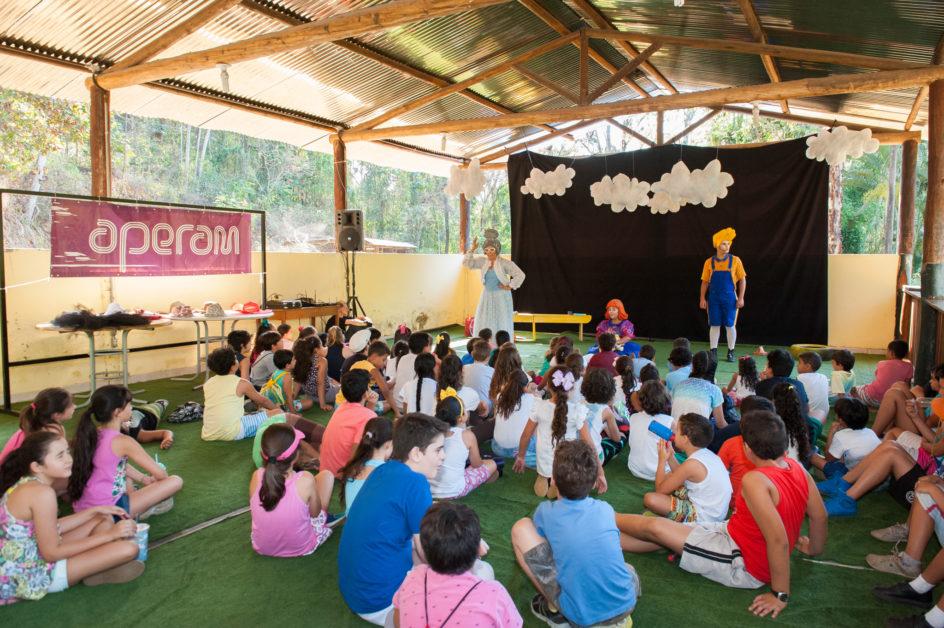 Por meio de teatro as crianças aprenderam práticas do Sou+ Seguro